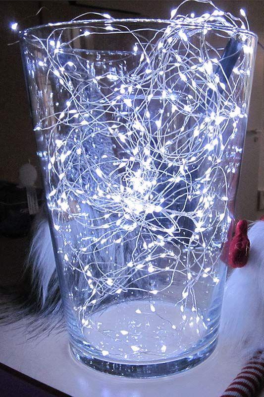 Glas-Vase gefüllt mit #Silberdrahtkette Das kaltweiße Licht der ...