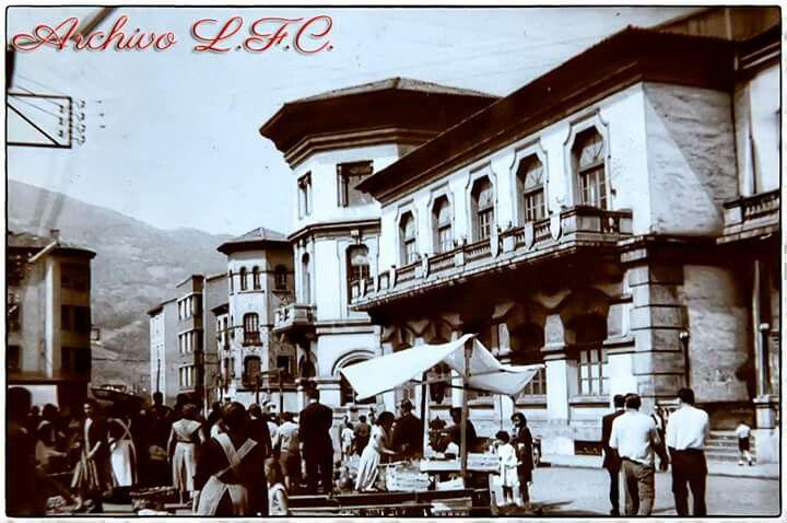 La Plaza y la Casa España