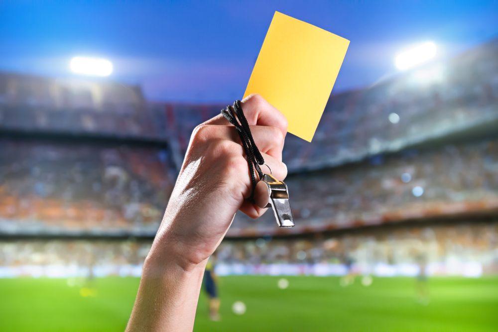 The Ultimate English Vocabulary Guide For Football Soccer Tarjeta Futbol Amarillo