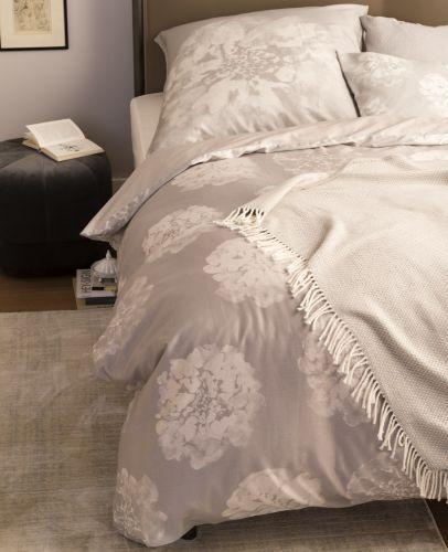 Schoner Wohnen Flora Grau Bettwasche Set 100 Baumwoll Mako Satin Mit Reissverschluss Romodo De Wohnen Schoner Wohnen Graue Bettwasche