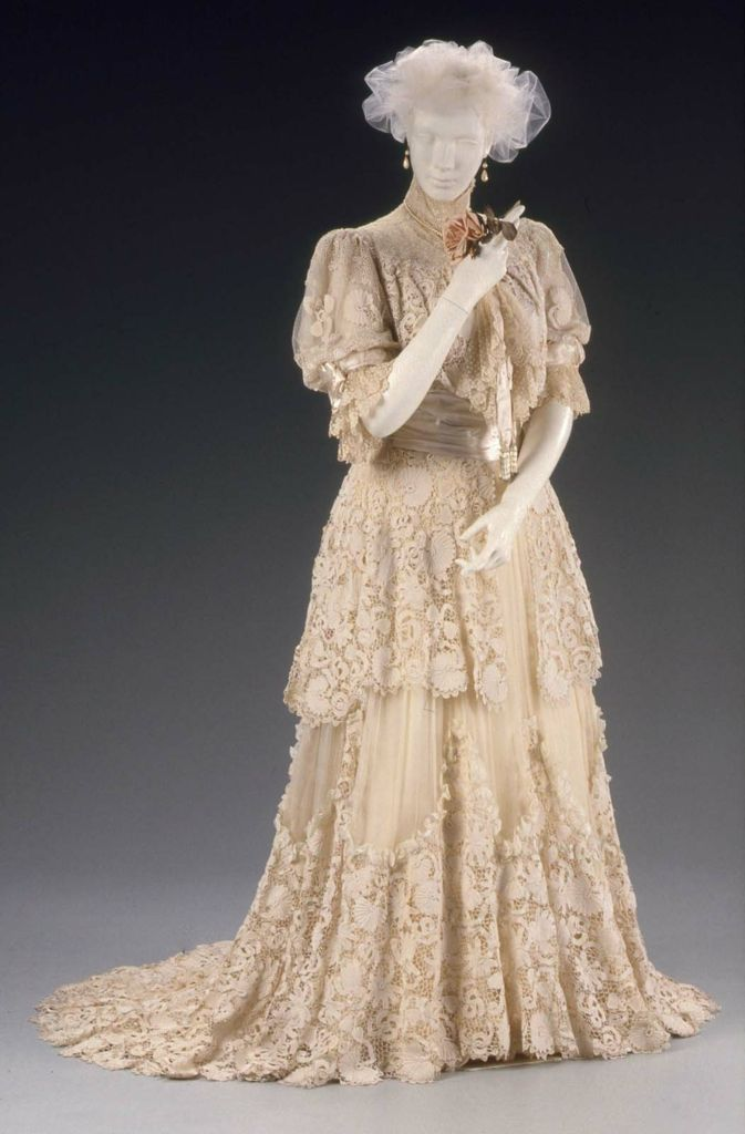 1910, France - Ball gown by Jacques Doucet - Silk, cotton; chiffon ...