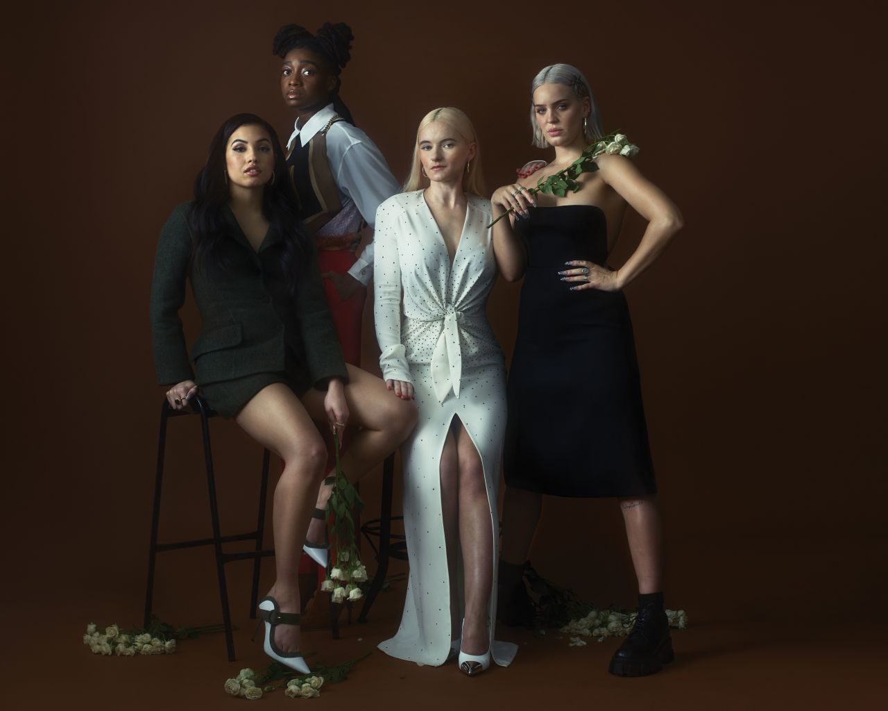 Mabel Mcvey Little Simz Grace Chatto And Anne Marie Photoshoot For V Magazine 2019 V Magazine Mabel Celebrities