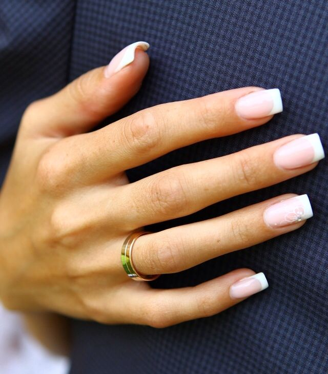 French Tip With Pink Nail Bed French Tip Acrylic Nails French Manicure Acrylic Nails Rounded Acrylic Nails