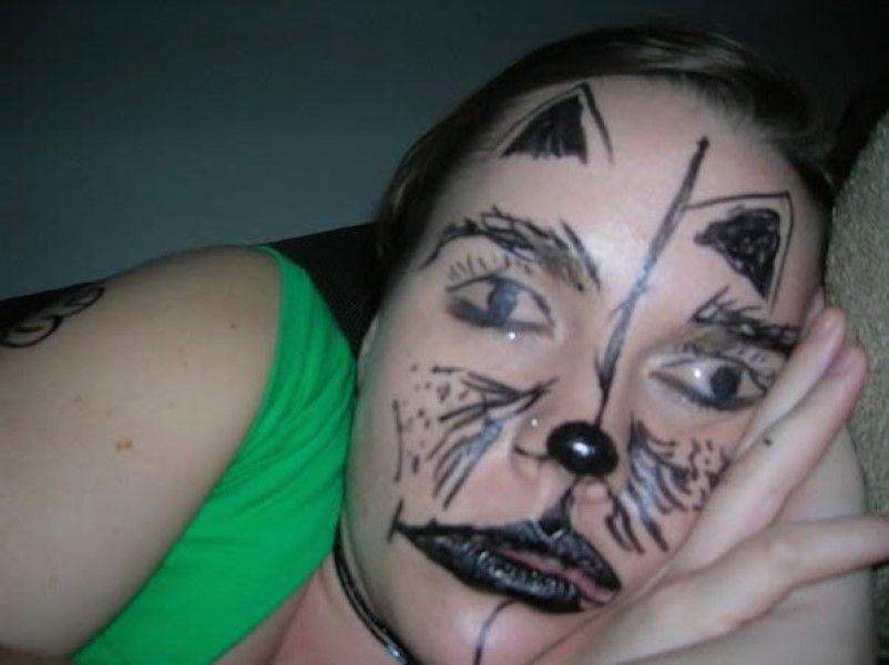 Прикольная картинка мама с разрисованным лицом они говорили рожай, днем