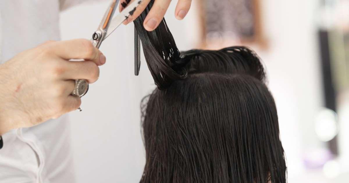 Karine Granger Coiffeuse A Clichy La Garenne Dans Les Hauts De Seine A Decide D Ouvrir So Cheveux Qui Graissent Vite Coiffure A Faire Soi Meme Cheveux Sains