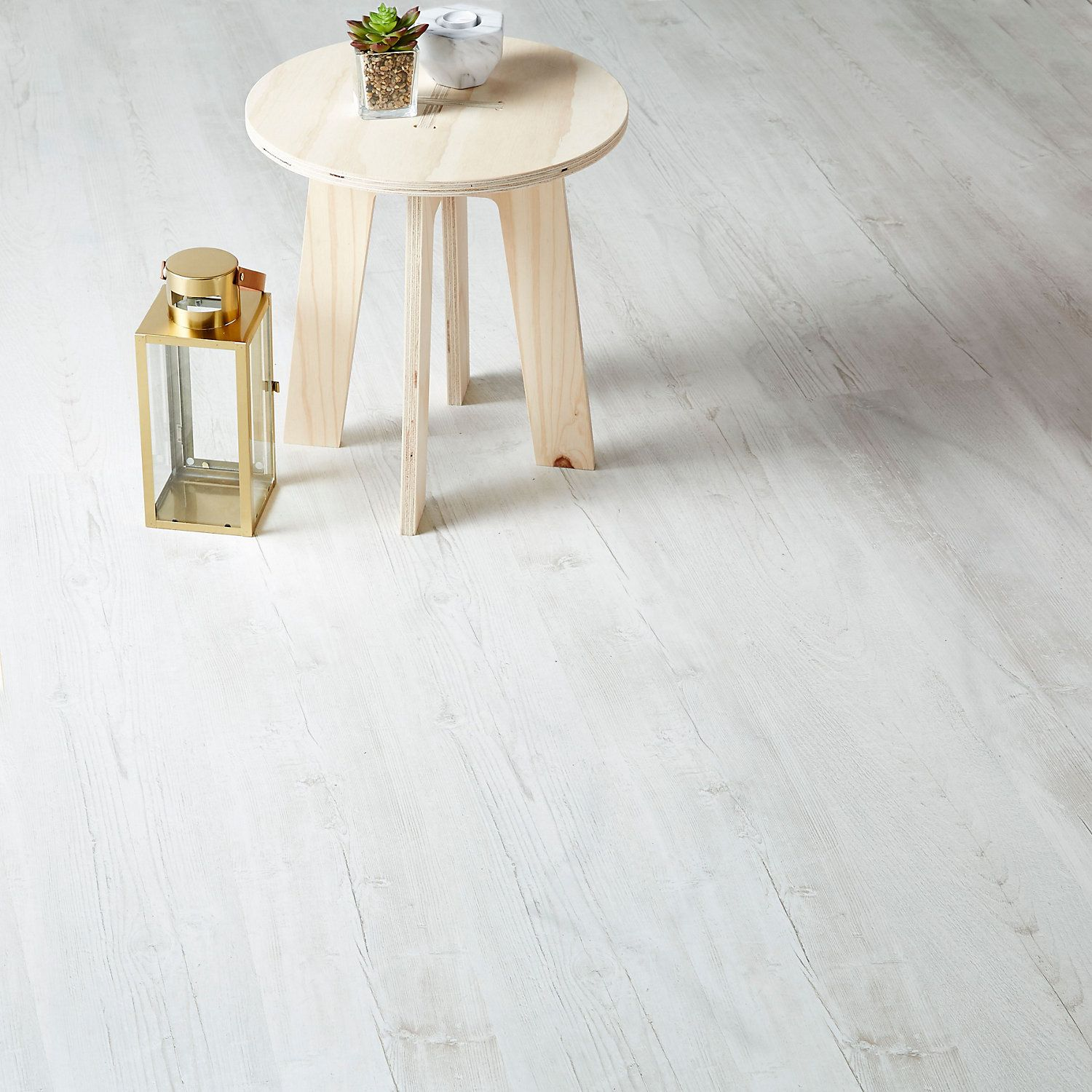 GoodHome Macquarie White Pine effect Laminate flooring, 2