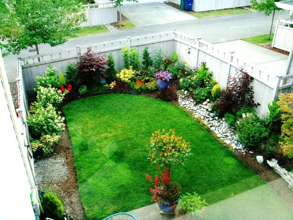 Small Square Garden Landscaping Ideas Minimalist Small Garden Designs Furniture And Int With Images Small Front Yard Landscaping Small Yard Landscaping Small Garden Design