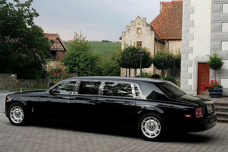Rolls Royce Limo >> Pin By Douglas C On Rolls Royce Rolls Royce Cars Rolls