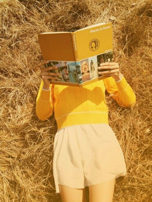 yellow, book, and aesthetic image | Vintage geel, Geel ...