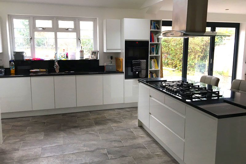 an innova luca gloss white handleless kitchen  real