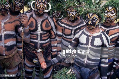 Papua indios del nuevo pene de guinea