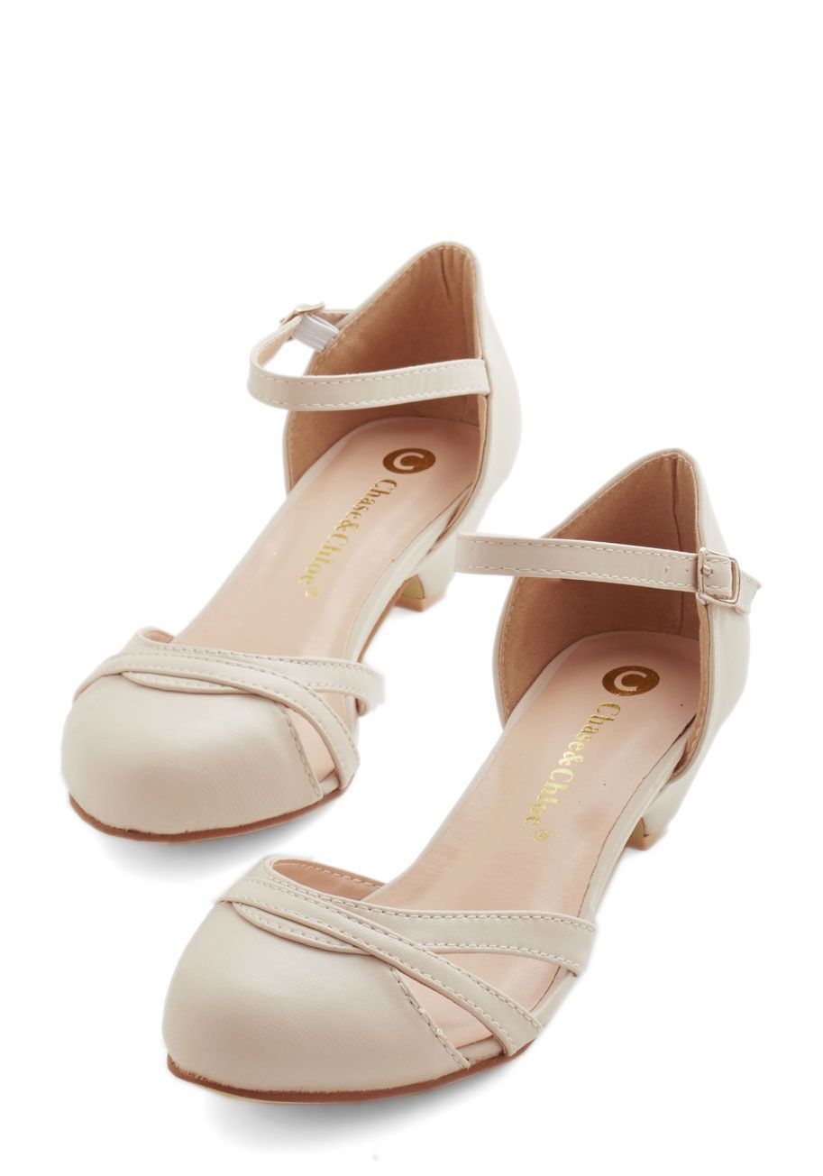 Fashion School Sweetheart Heel in Latte. You sure are a charmer in these versatile kitten heels! #tan #wedding #modcloth
