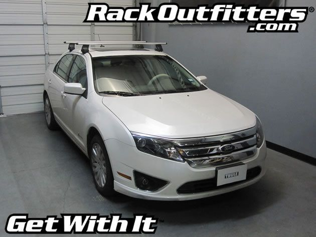 Ford Fusion Sedan Thule Rapid Traverse Silver Aeroblade Roof Rack