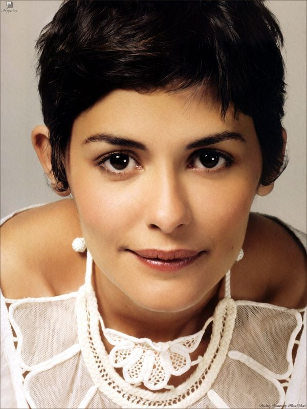Audrey Tautou She Is Just So Beautiful Love This Sweet Woman Short Hair Styles Audrey Tatou Hair Audrey Tautou