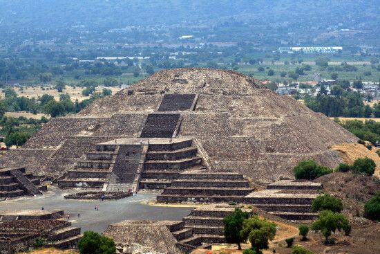 Pyramid Of The Sun And Moon Tags Mexico Sun And Moon Pyramids Mexico Travel Teotihuacan Places To Visit