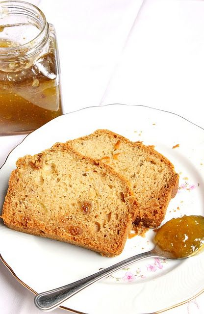 Figs cake bread with rosemary flavour