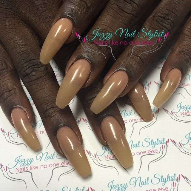 Natural nails with gel polish, 1/2\