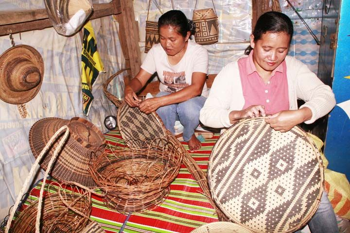 Teduray Women Show The Art Of Weaving Table Baskets And Other