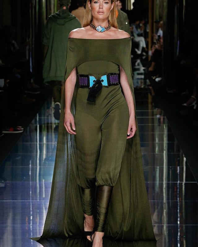 Balmain.  #fashion #couture #runway #style #elegant #exquisite #unusual #sophisticated #pantsuit #originaldesign #creativeconcept #green #purplebelt #offtheshoulder #casualchic #iadoreit #balmain