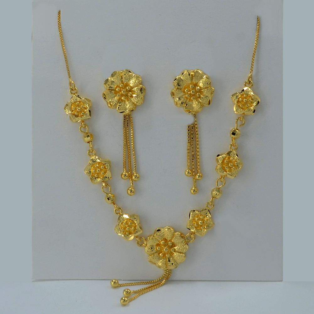 Beautiful Flower Set Jewelry 22k Gold Plated Pendant Necklace