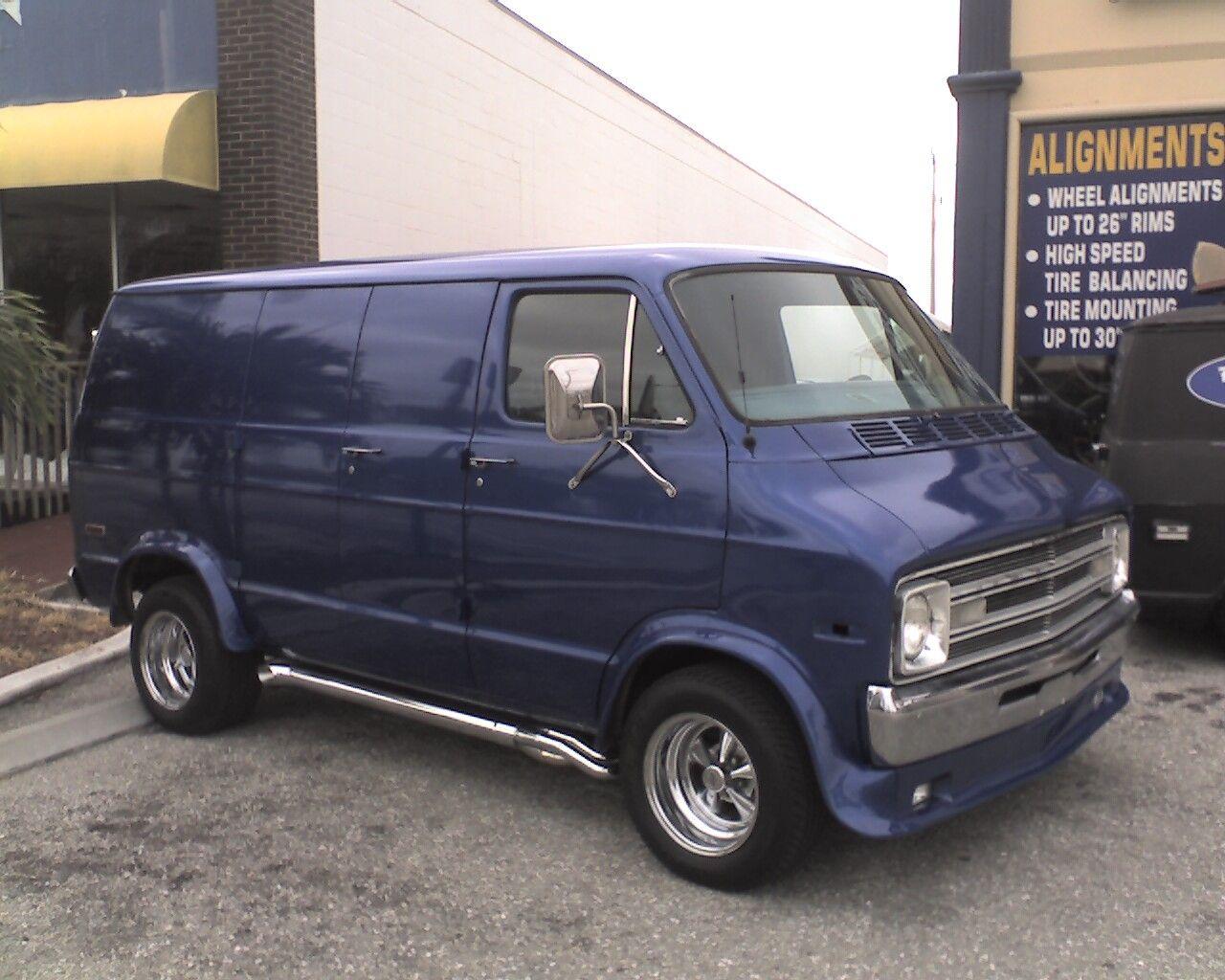 1977 dodge van rsport711 s 1977 dodge ram van 150 vannin pinterest dodge van vans and. Black Bedroom Furniture Sets. Home Design Ideas