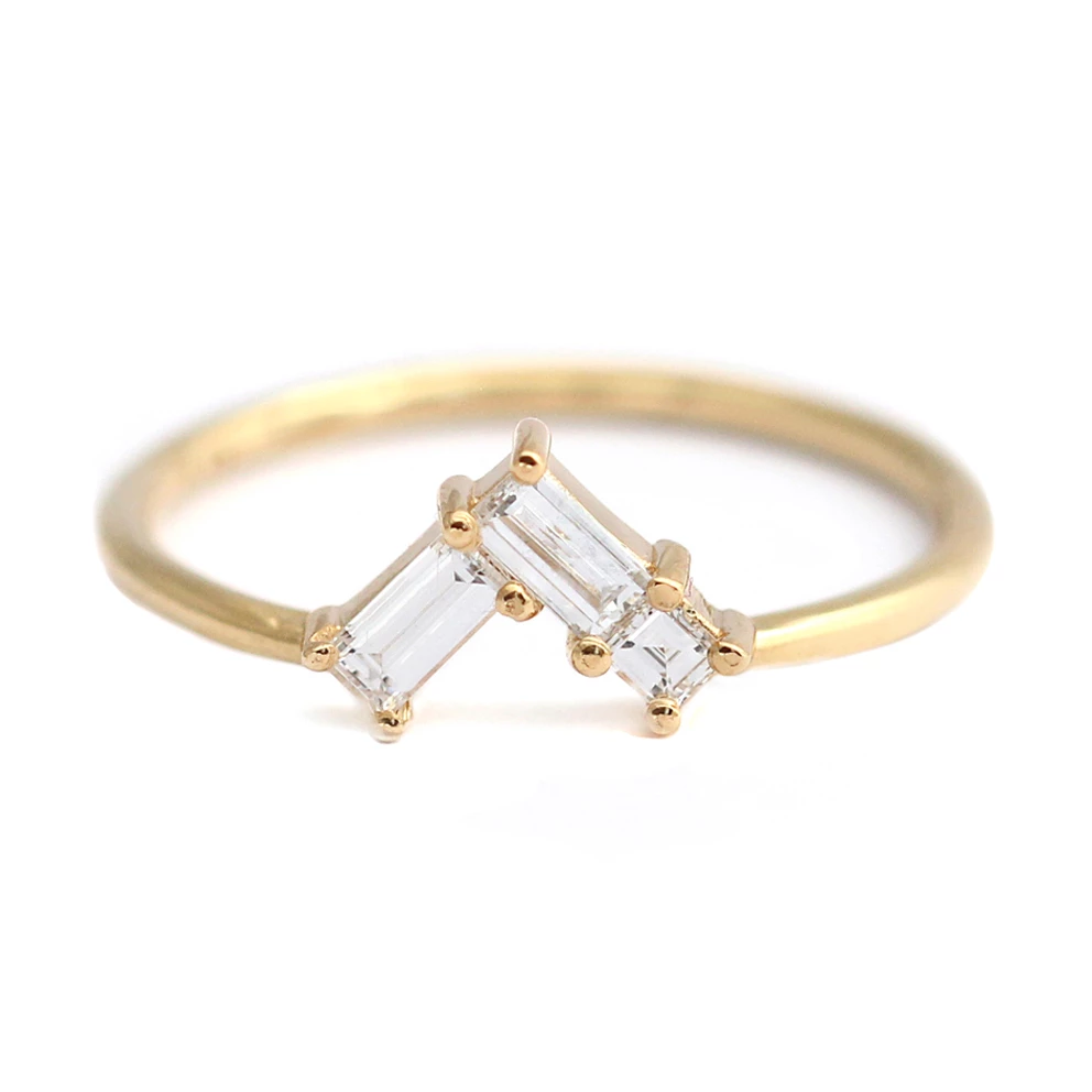 Curved Wedding Band with Baguette Diamonds Diamond
