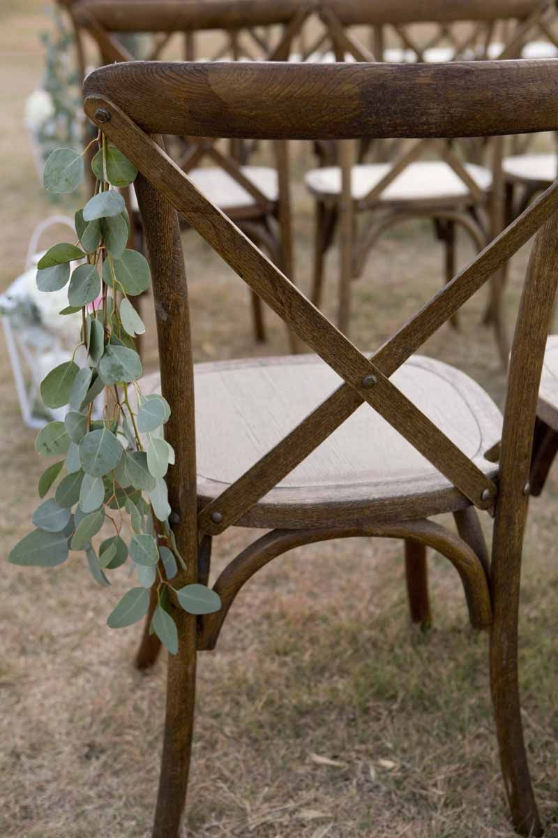 easy and gorgeous wedding aisle decorations for your outdoor wedding