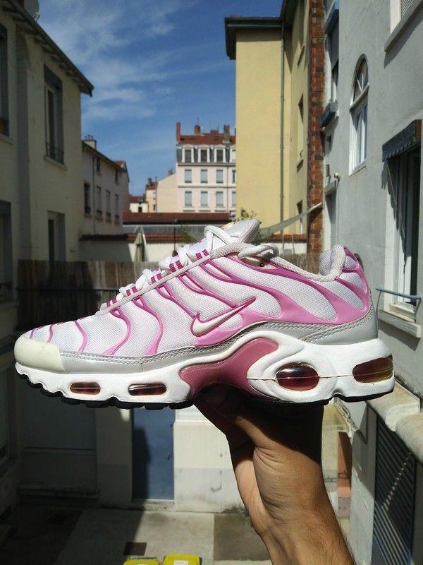 chaussure femme basket nike tn