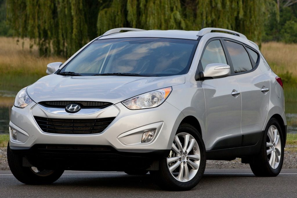Top 7 Cars With Cheap Insurance Autotrader Com 2013 Hyundai