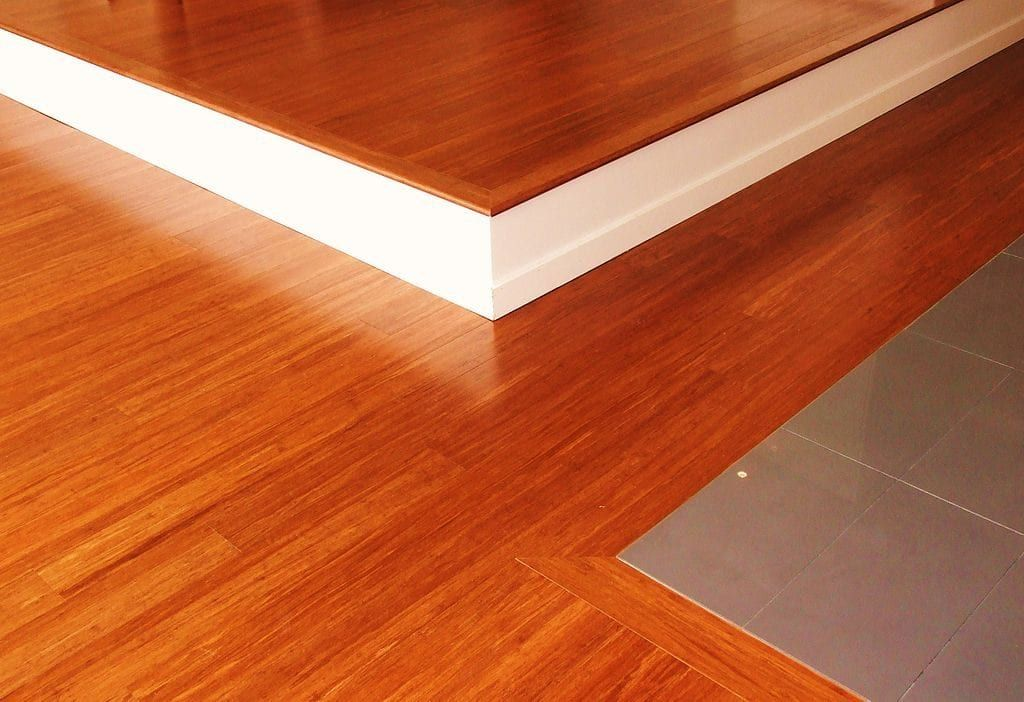 Discover The Main Differences Between Bamboo Flooring And Laminate Flooring So You Can Mak Bamboo Wood Flooring Bamboo Hardwood Flooring Strand Bamboo Flooring