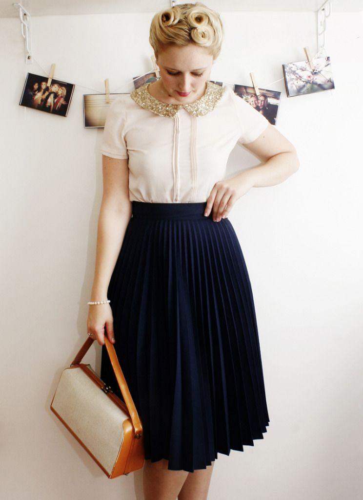 navy pleated skirt 138bf6c9c
