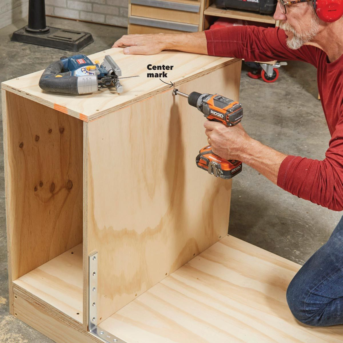 How To Build A Space Saving Flip Top Workbench Workbench Workbench Plans Diy Garage Work Bench