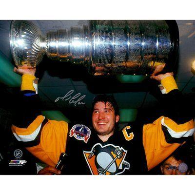 Mario Lemieux Autographed Stanley Cup 16'' x 20'' Horizontal Stanley Cup Holding Photograph