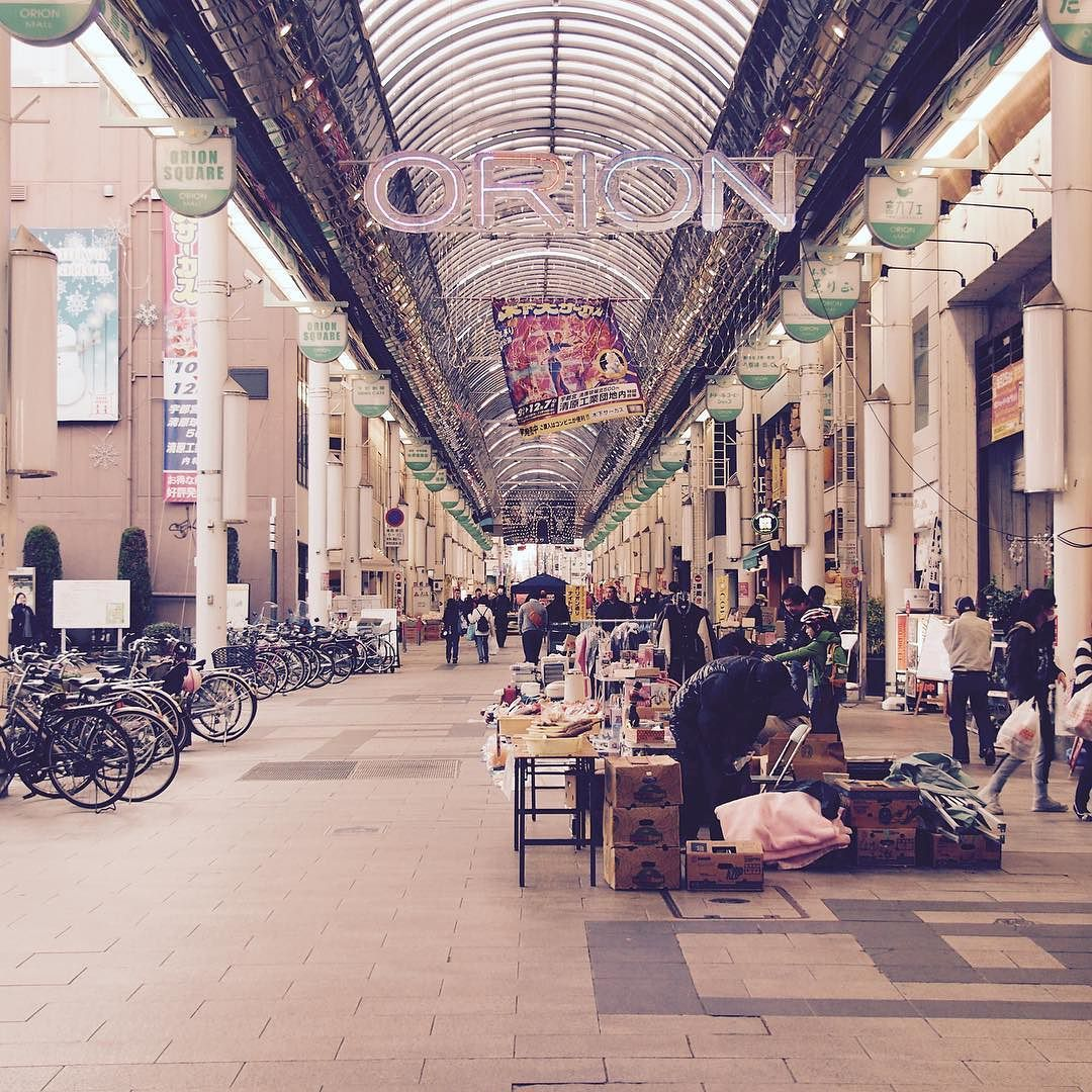 By ym.mo_ta: 師走のオリオン通り  #avenue #shoppingstreet #arcade #december #street #utsunomiya #utunomiya #tochigi #オリオン通り #商店街 #師走 #宇都宮 #栃木 #通り #アーケード #arcade #micrhobbit