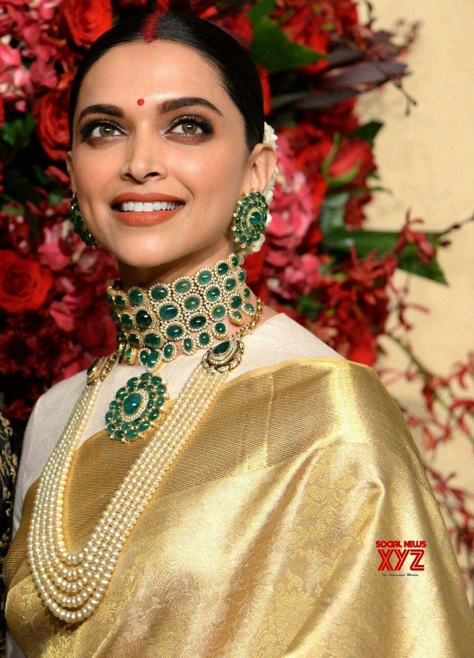 Deepika Padukone For Her Wedding Reception Bridal Jewellery Inspiration Deepika Ranveer Indian Dresses