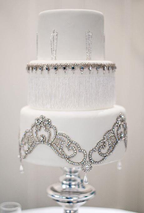 So elegant…jeweled cake ♥   Beaded~Bejeweled~Bedazzled)