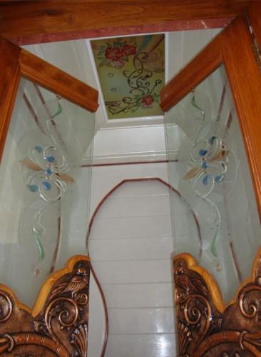Puja Room Glass Door Designs - Cleverkina in 2020 | Pooja ...