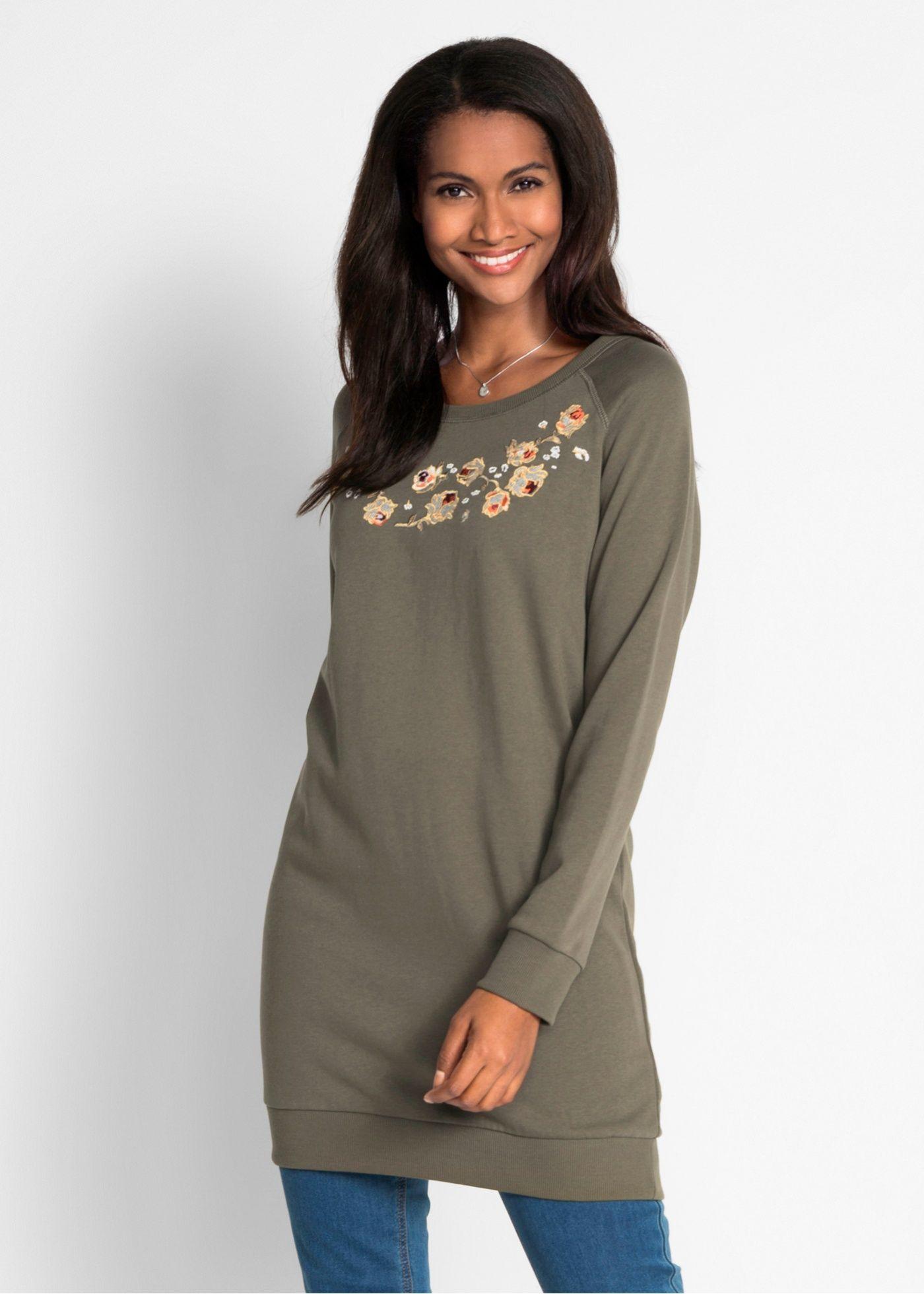 b35cf60211c7 Mikinové šaty s výšivkou tmavě olivová - koupit online - bonprix.cz Celková  délka ve