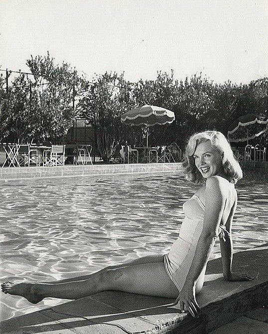Marilyn Monroe. Pin by Syè Münir. Marilyn monroe, Skinny