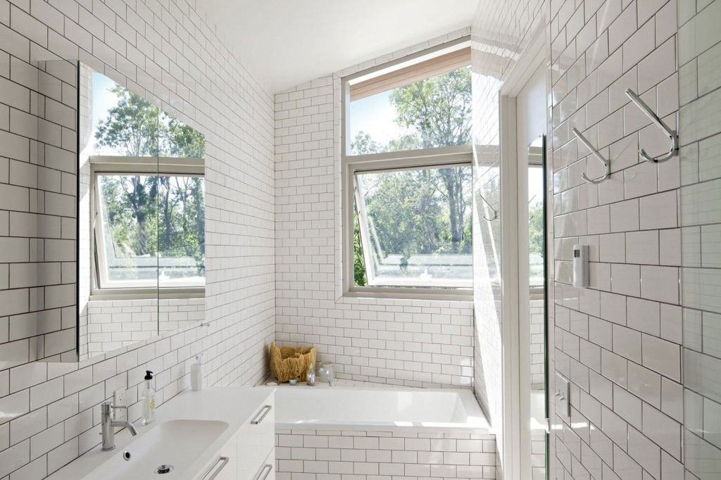 Etonnant Architecture: Contemporary White Bathroom Design With Stacked White Tile  Wall Siding And White Sleek Vanity