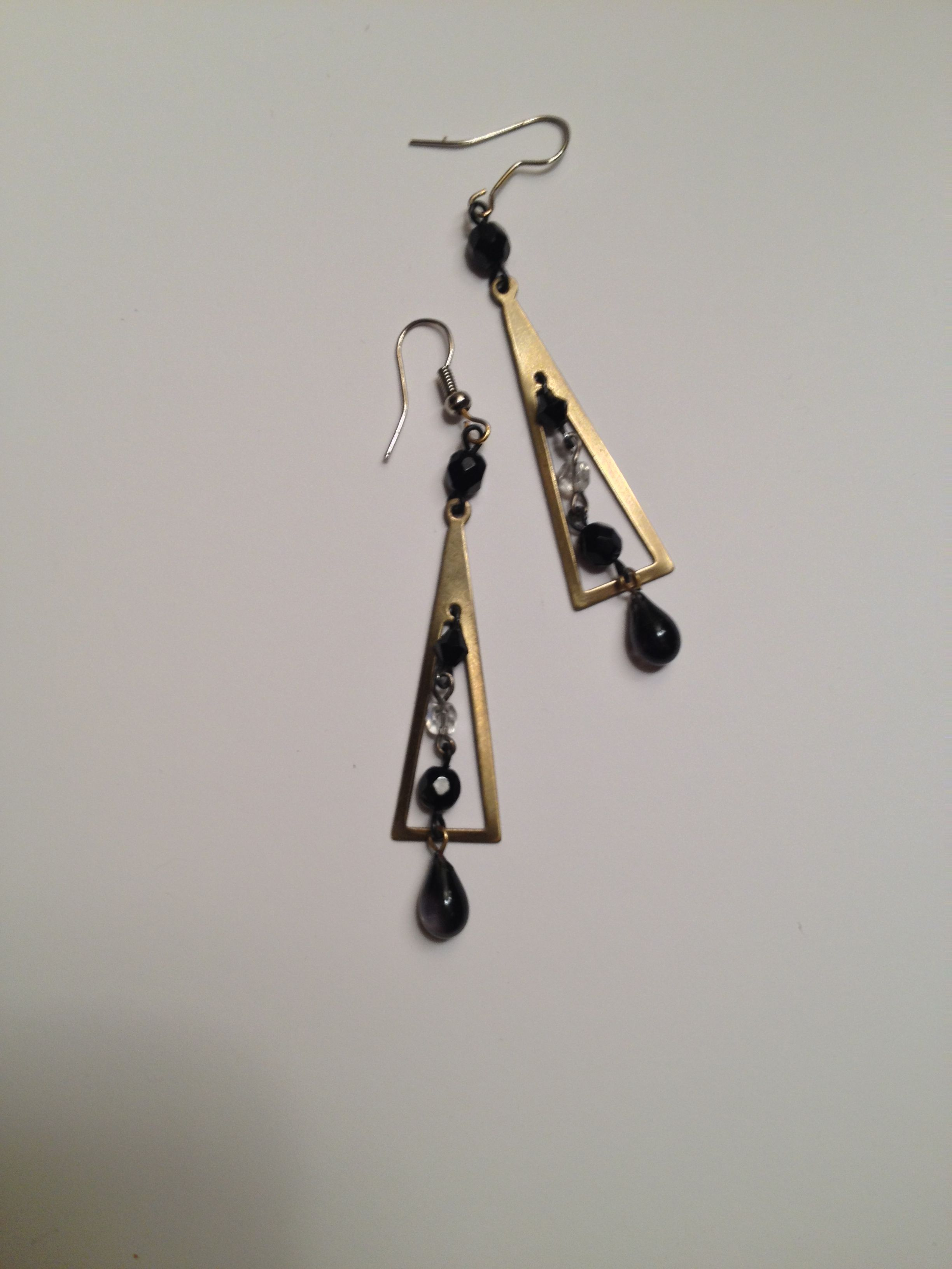 Great contemporary look dangle earrings made from Vintage 50s elements