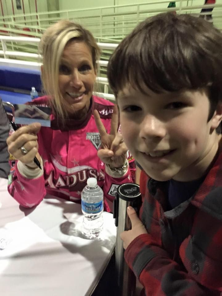 Sparking kindness at The Monster Truck Show!! #Madusa #Monstertruck Join in the kindness fun with Sparks of Kindness FB group https://www.facebook.com/groups/747076662042246/ #randomactsofkindness #sparksofkindness