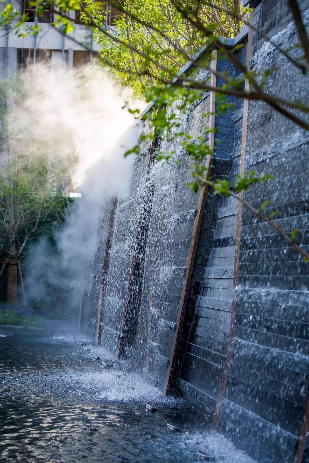 几何美学的全新演绎 北虹桥 绿地新都会 搜狐旅游 搜狐网 Water Feature Wall Water Walls Modern Water Feature