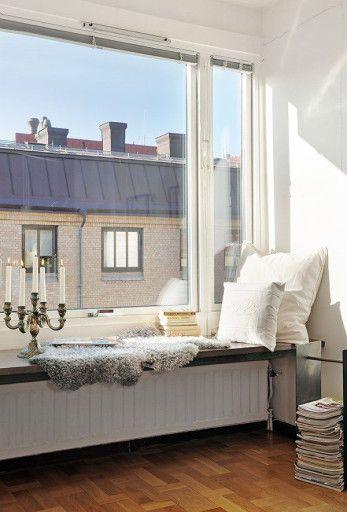 5 Ways To Make A Diy Reading Nook Abodo Cozy Reading Corners Modern Interior Decor Corner Decor