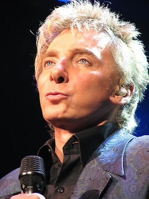 barry manilow photos 2009 | talking about Barry Manilow here people!