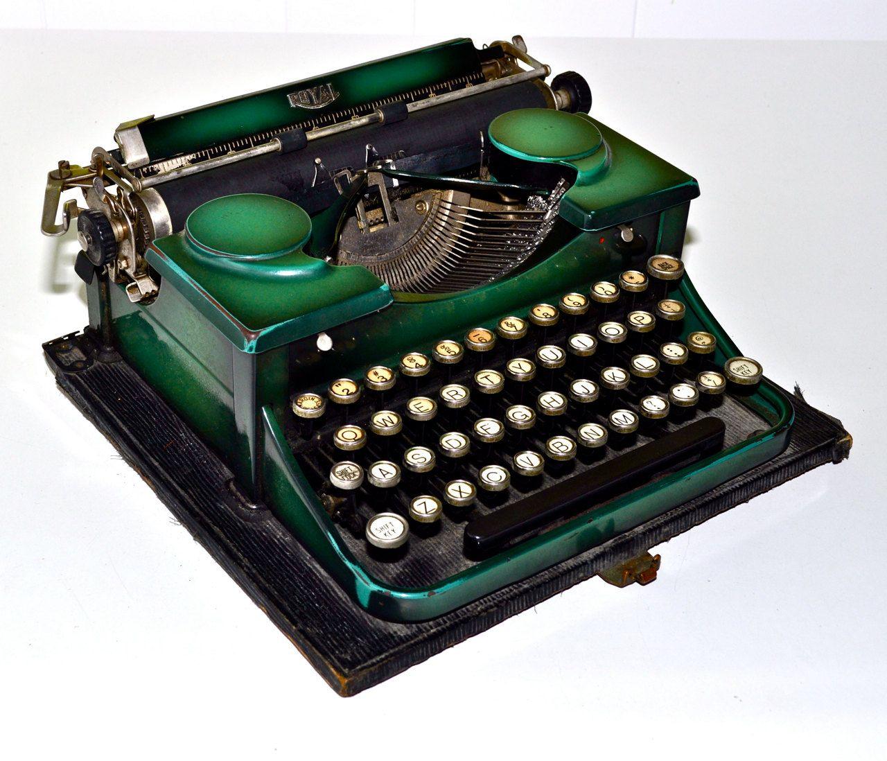 Charming Vintage Royal Portable Typewriter Part - 5: ROYAL PORTABLE Early 1930s Antique Typewriter Emerald Green