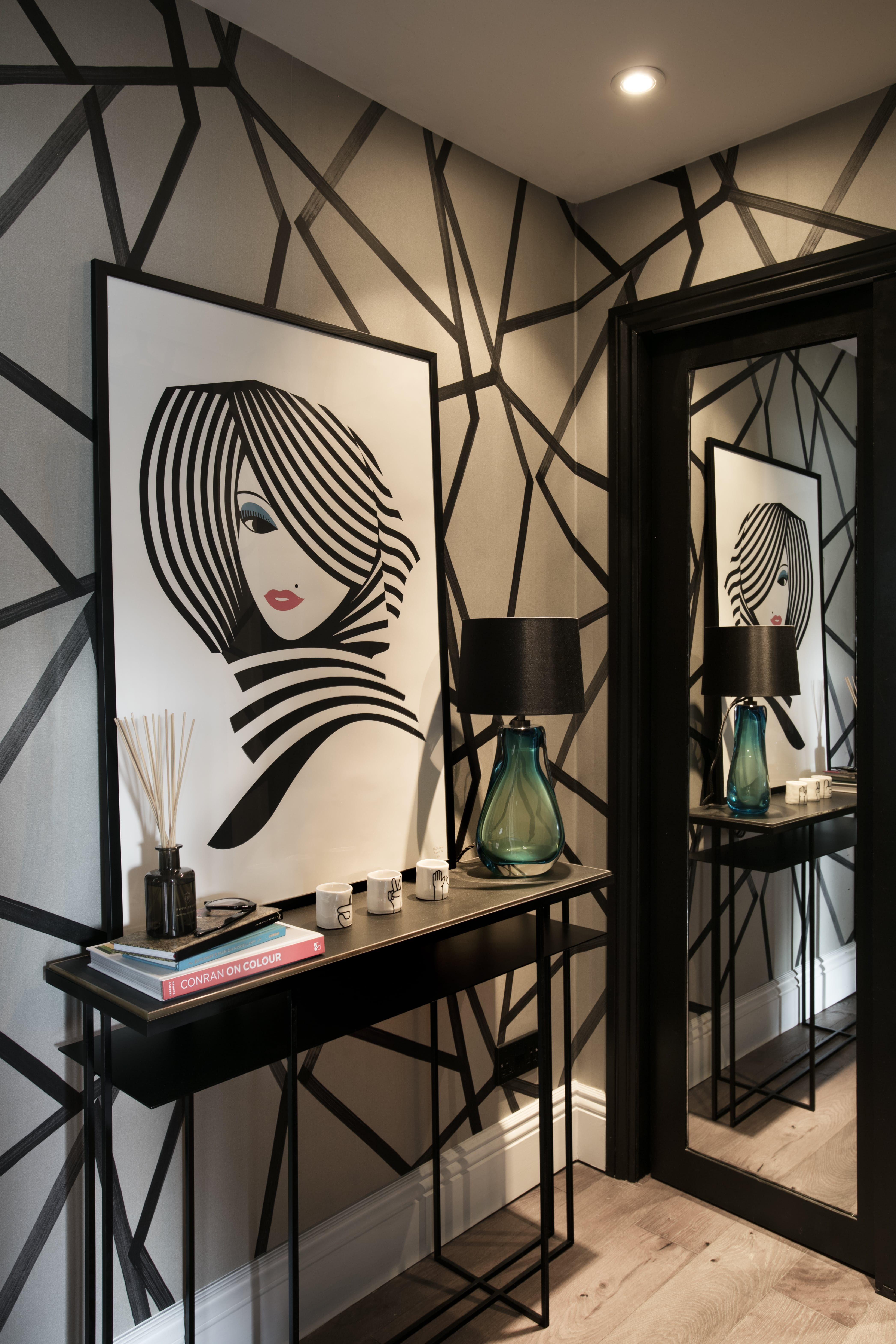 House Tour A Designer s Dramatic London Apartment