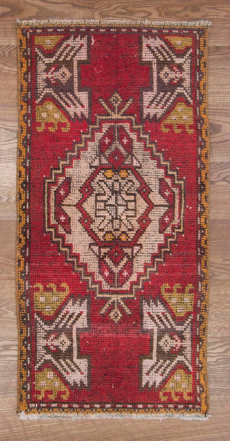 Free Shipping Gorgeous Door Mat Rugs Are On Sale 1 8 X 3 3 Feet Door Mat Rugs Vintage Turkish Door Mat Rug 50 X 99 Cm Door Mat Rug In 2020 Antique