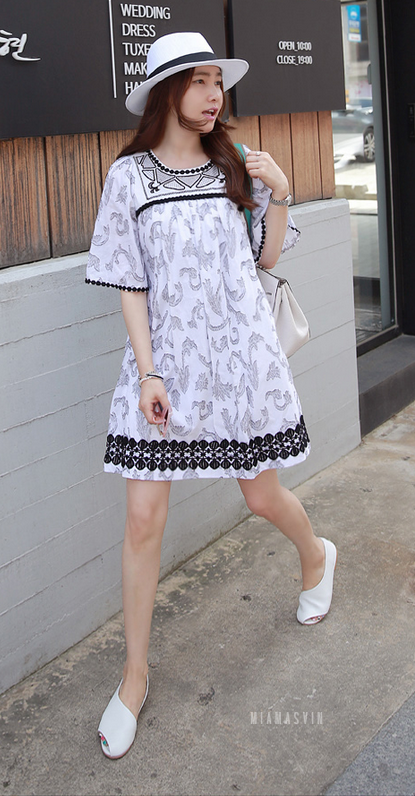 Textured Dress with Lace Trims   Korean Spring Fashion #seoul #cafe #streetstyle