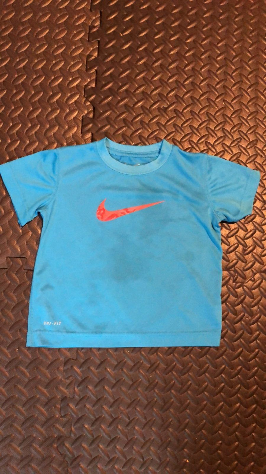 2t Nike Tee Light Blue With Pink Swoosh Nwot Pet Free Smoke Free Home I Ship Same Day Check Out My Other Listings And As Nike Tees Tees Nike